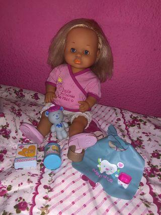 Muñeca nenuco malita y complementos