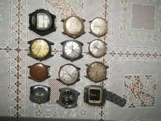 varios relojes antiguos