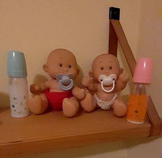 2Muñecos con accesorios