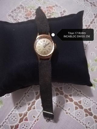 Titan reloj antiguo