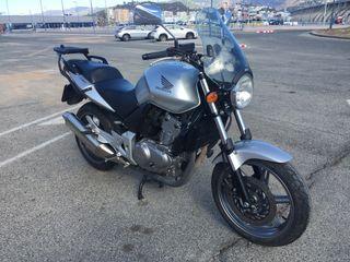Honda CBF 500. 2004