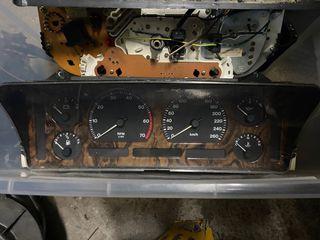 Cuadro cuentakilómetros Jguar XJ40