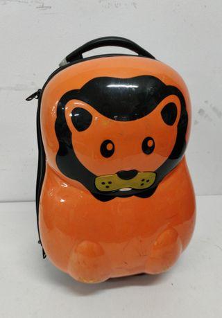 Maleta Infantil color naranja.