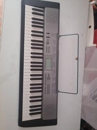 Piano Casio LK-125 Nuevo