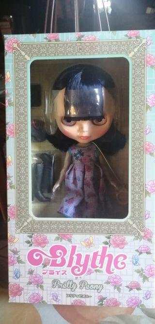 Blythe Pretty Peony nueva middie barbie pullip