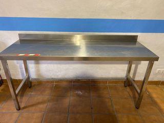 Mesa de cocina de acero inoxidable