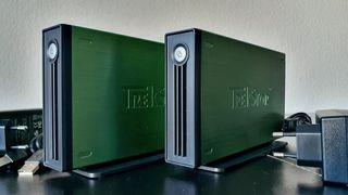 2 Discos duros 400 Gb y 1 TB