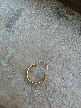 pendiente de oro