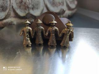 4 samurais/soldados antiguos japoneses