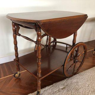 Camarera Vintage de madera con ruedas