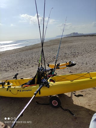 kayak de pesca con motor.