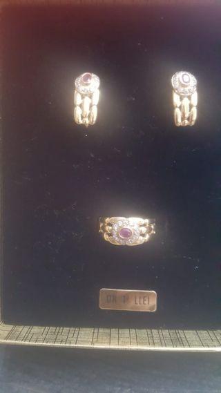 juego de pendientes y anillo oro