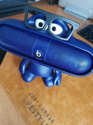 soporte altavoz, Beats by Dr. dre pill character