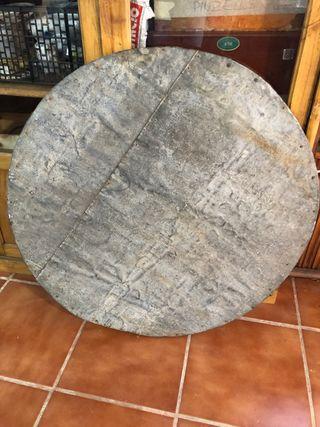 Sobre mesa madera y zinc, antigua