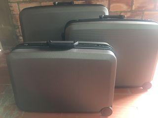 Juego de maletas rigidas