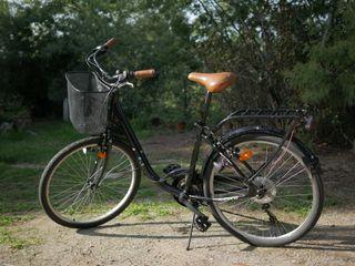 Bicicleta paseo. Aluminio. Cambio Shimano 18 vel.