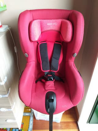 Silla coche roja Bébé Confort Axiss