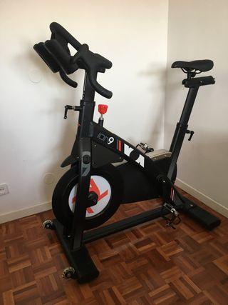 Bicicleta ciclo indoor/ spinning Ion9