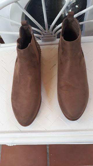 botines marrón