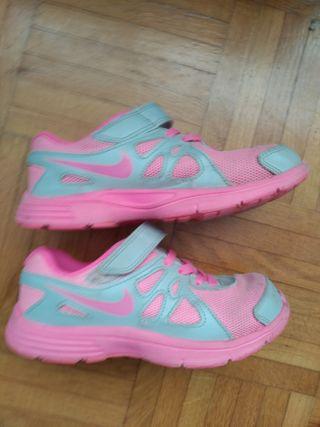 Zapatillas Nike niña. Ocasión.