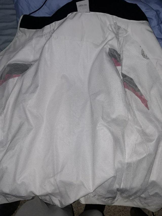 chaqueta real madrid verdadera