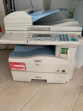 Se vende impresora con tapa floja