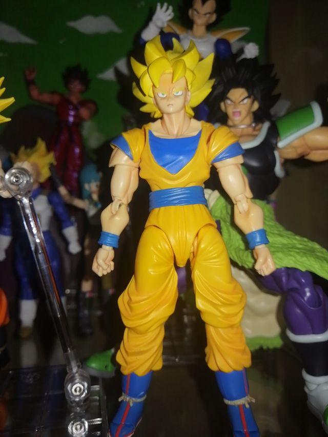 Sh Figuarts Super Saiyan Son Goku