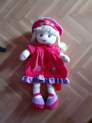 Muñeca mochila