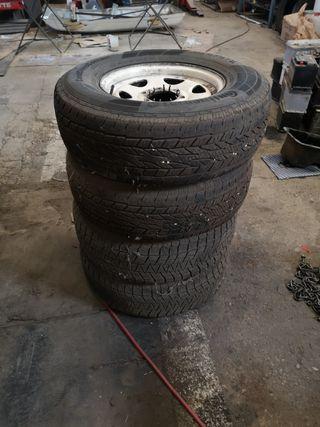 llantas y neumáticos 235 75 15