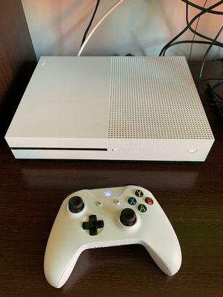 Xbox One S 500Gb + Mandos + 4 Juegos + 3 Juegos