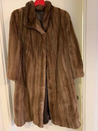 Precioso abrigo de visón rasado