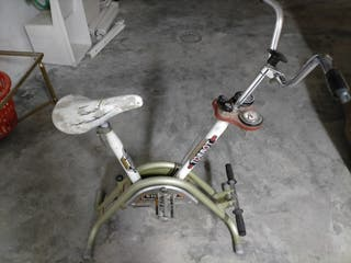Antigua bicicleta estatica