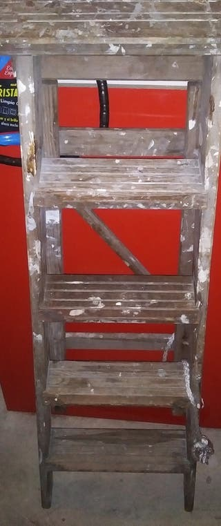 escalera madera antigua