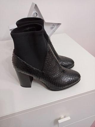 botin negro tipo calcetin