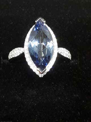 Gem's Ballet 4,11ct Marquise Natural Blue