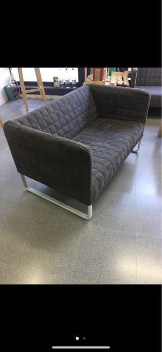 Sofá Ikea con 4 cojines