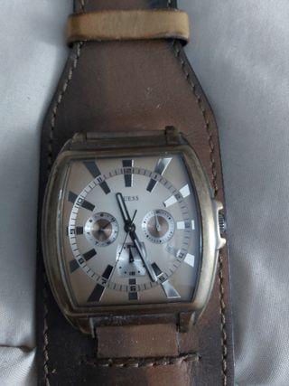 Reloj Guess origianl y reloj vans