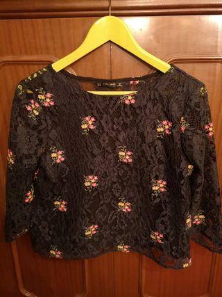 Blusa de encaje negro con Flores Bordadas Zara - S