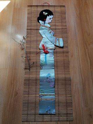 Esterilla de decoración pared con una geisha