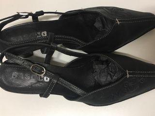 Zapato-Sandalia PIEL. Negro N. 37