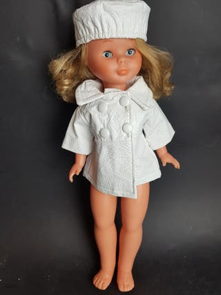 abrigo y gorro para muñeca caprice años 60 -70