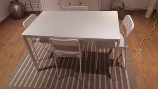 mesa y 4 sillas Ikea melltorp con cojines