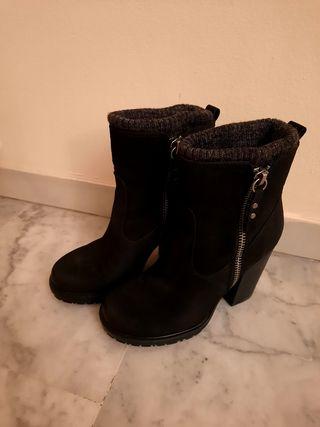 botas de tacón - negra