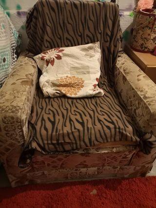 sofá de una plaza.