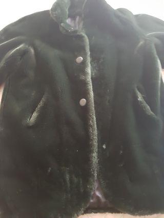 vendó abrigo de mujer color verde percio pelo nu