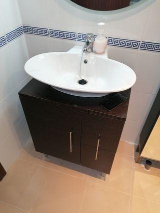 mueble baño y mueble auxiliar wengue