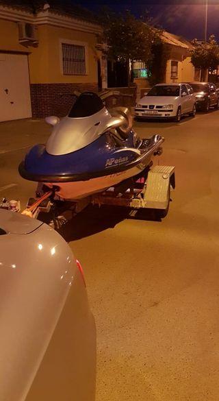 remolque moto de agua o barco