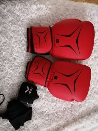 Guantes de boxeo y cintas
