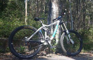 bicicleta descenso giant glory