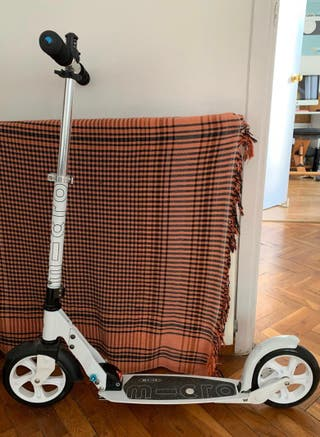 Patinete scooter Micro con seguro, no eléctrico